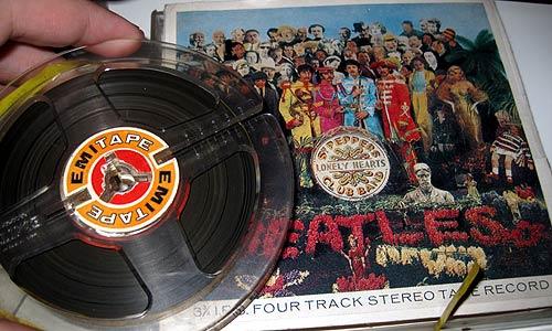 Diego Harris y su disco de Beatles