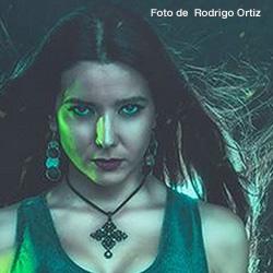 Adamantia tienen nueva vocalista, Carmen Xina, ex Oker