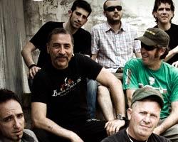 Banda Bassotti, Heredeiros Da Crus y Siniestro Total, conciertos del Rock in Cambre Festival