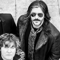 Moon Cresta, rock de Galicia, anuncian concierto en Madrid, estrenan Civil Fuzz Brigade