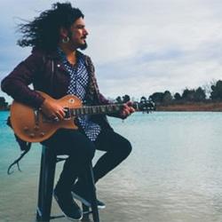 Razkin, cantante de La Fuga, estrena Polizón