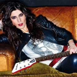 Susan Santos, concierto en Madrid, con Supersonic Blues Machine, Noches del Botánico