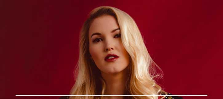 Bestial vídeo de La Chica de Ayer de Nacha Pop en la voz de Ashley Campbell en el Huercasa Country